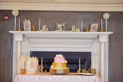 Wedding-cake-with-fireplace-and-mantle-decor