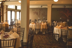 Wedding-tables-with-red-accents-and-place-settings