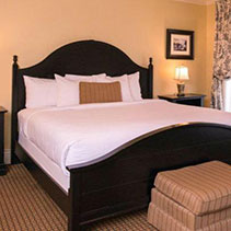 Royal Riverview King Room bed