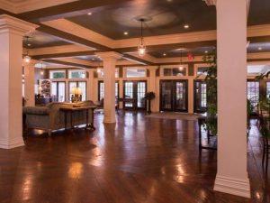 Lobby of Niagara Crossing Hotel & Spa