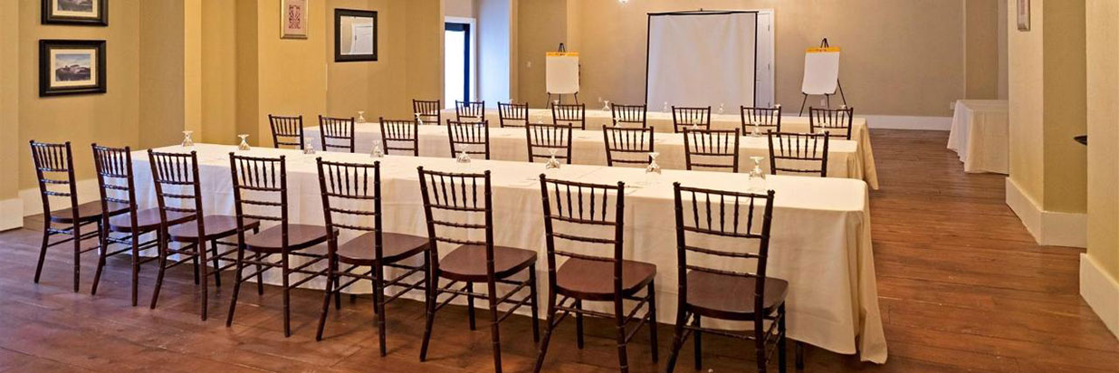 Niagara Crossing Hotel and Spa Classroom Setup Meeting Space