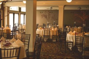 weddings tables with red accent decor